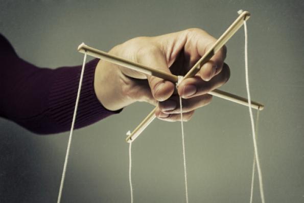 Manipulacja vs. wywieranie wpływu. To samo, ale całkiem inaczej