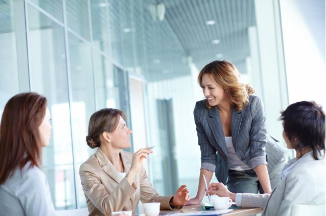 Mowa ciała wsprzedaży, Czyli niewerbalne środki wywierania wpływu na klienta